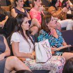 Ser mãe no século 21 com Bella Falconi